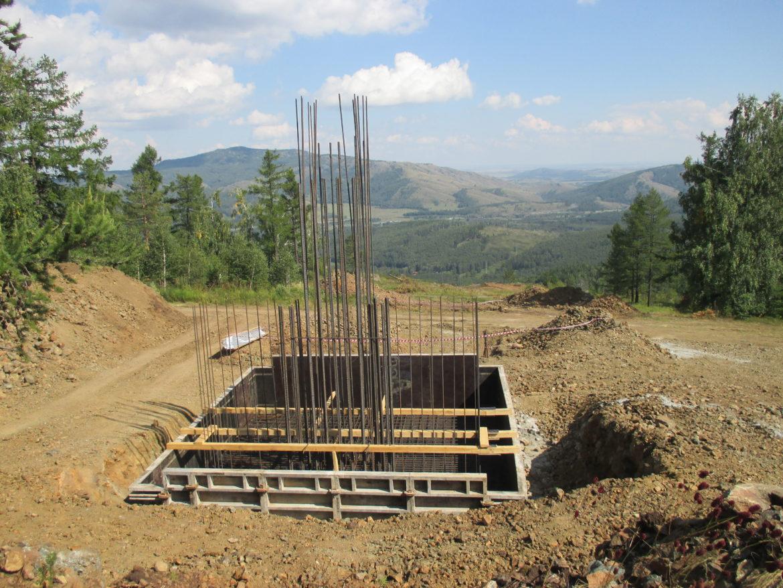 На ГЛК «АБЗАКОВО» кипит работа по строительству четырехместной скоростной канатной дороги